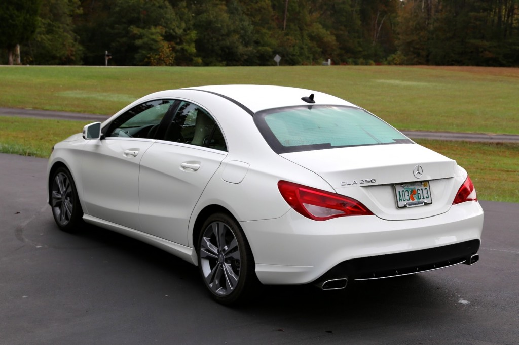 30 days of the mercedes cla going mobile with apps for Mercedes benz cla 250 top speed
