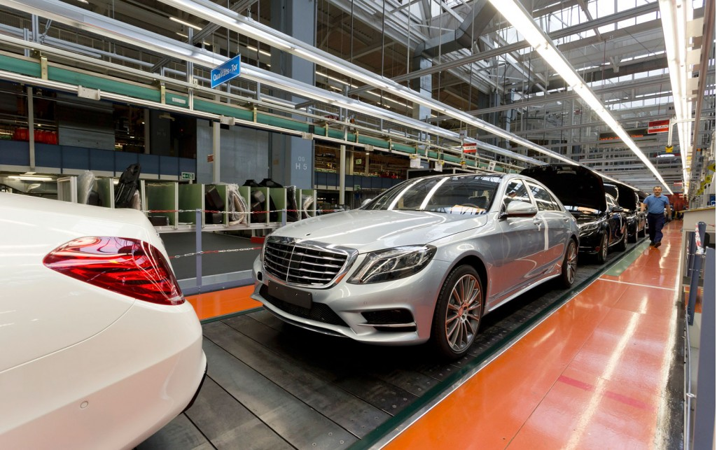 Mercedes benz builds record million vehicles in 2013 for Mercedes benz in germany