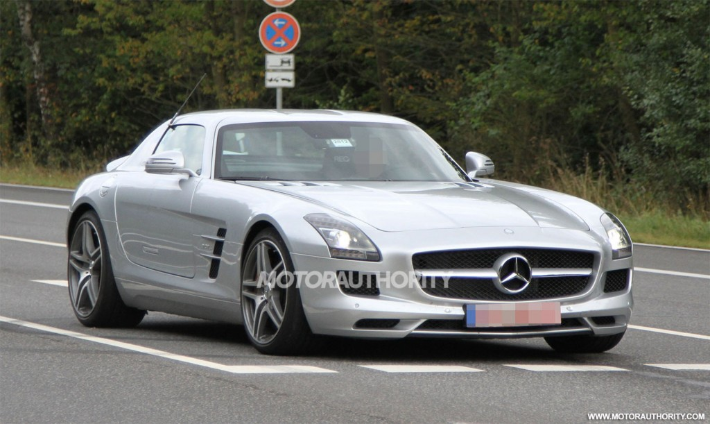 2014 mercedes benz sls amg e cell spy shots. Black Bedroom Furniture Sets. Home Design Ideas