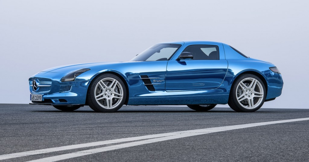 2014 mercedes benz sls amg electric drive debuts in paris for Mercedes benz sls amg electric drive price