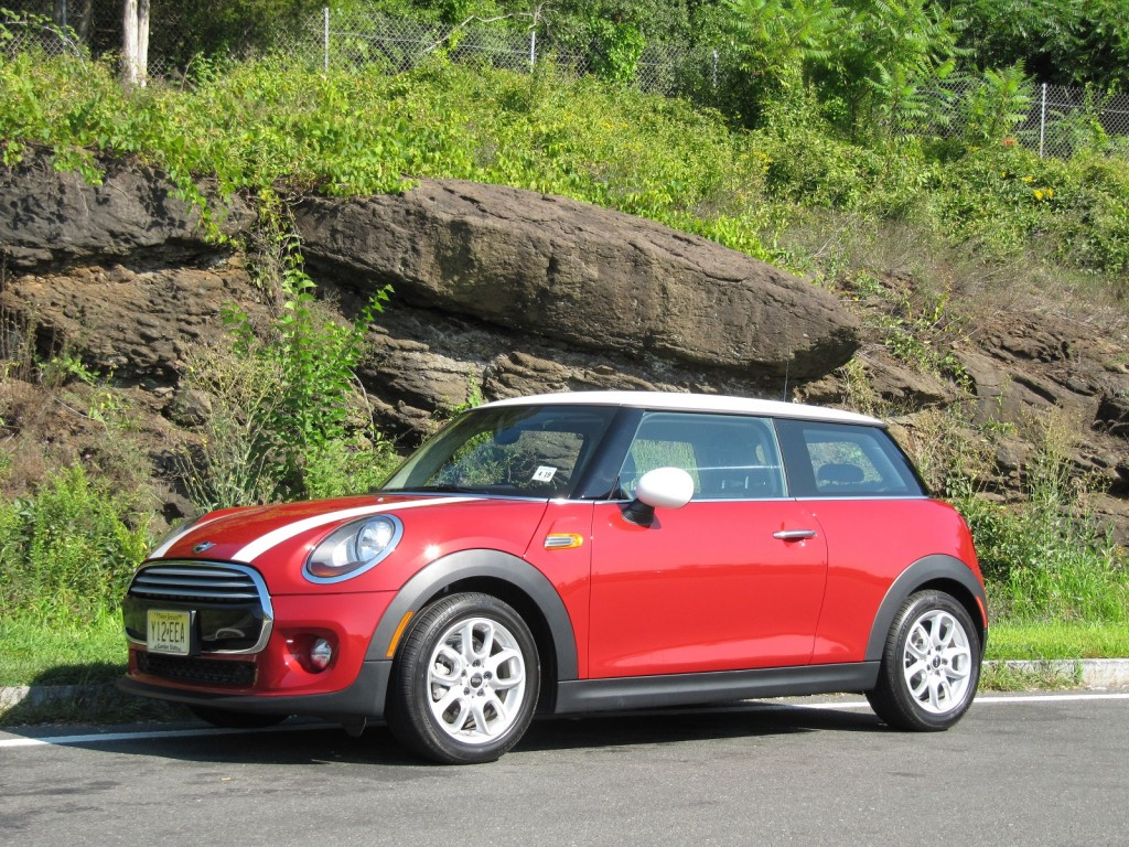 2014 mini cooper gas mileage review with 3 cyl engine. Black Bedroom Furniture Sets. Home Design Ideas
