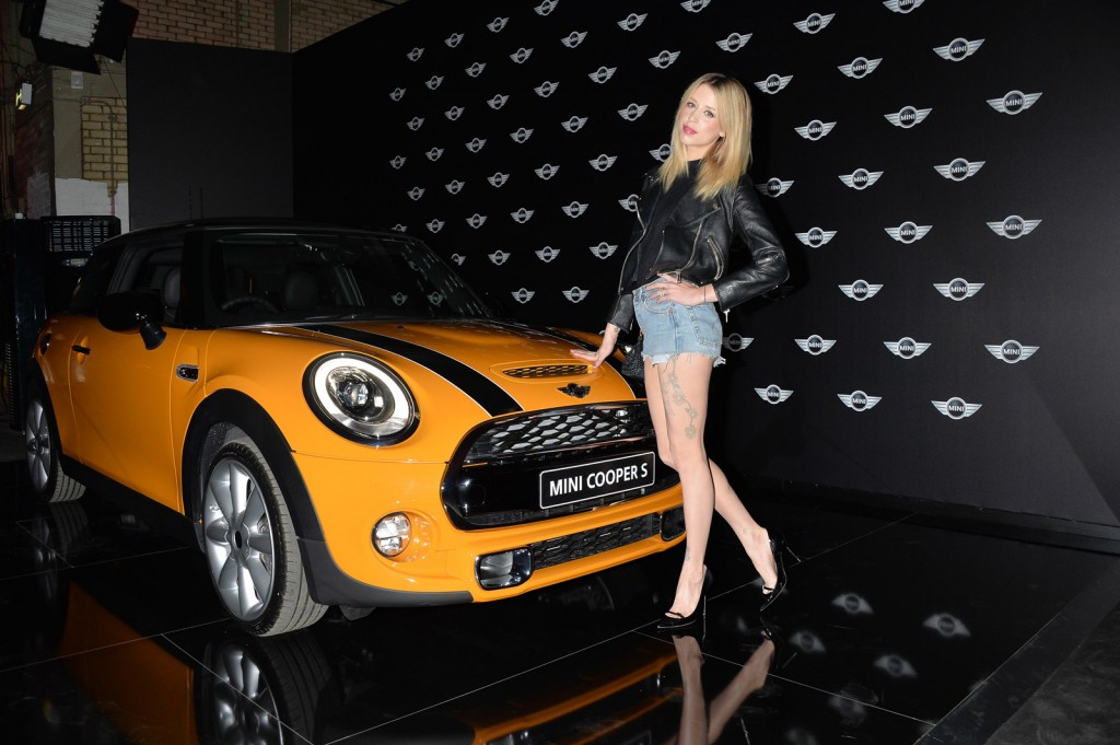 Motorauthority S Photos From L A 2017 Mini Debut