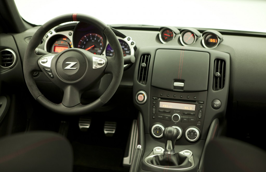 http://images.thecarconnection.com/lrg/2014-nissan-370z_100426188_l.jpg