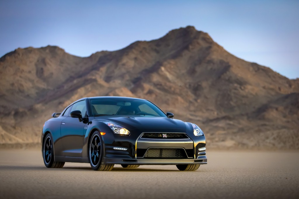 2014 nissan gt r track edition photo gallery. Black Bedroom Furniture Sets. Home Design Ideas