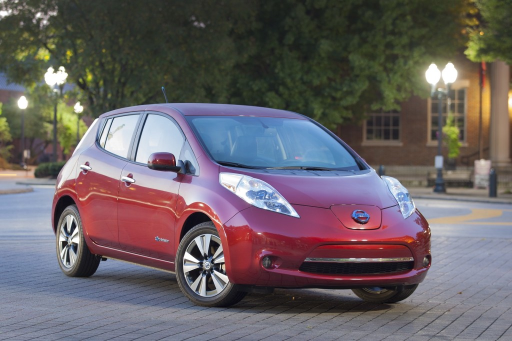 2014 nissan leaf pictures photos gallery the car connection. Black Bedroom Furniture Sets. Home Design Ideas