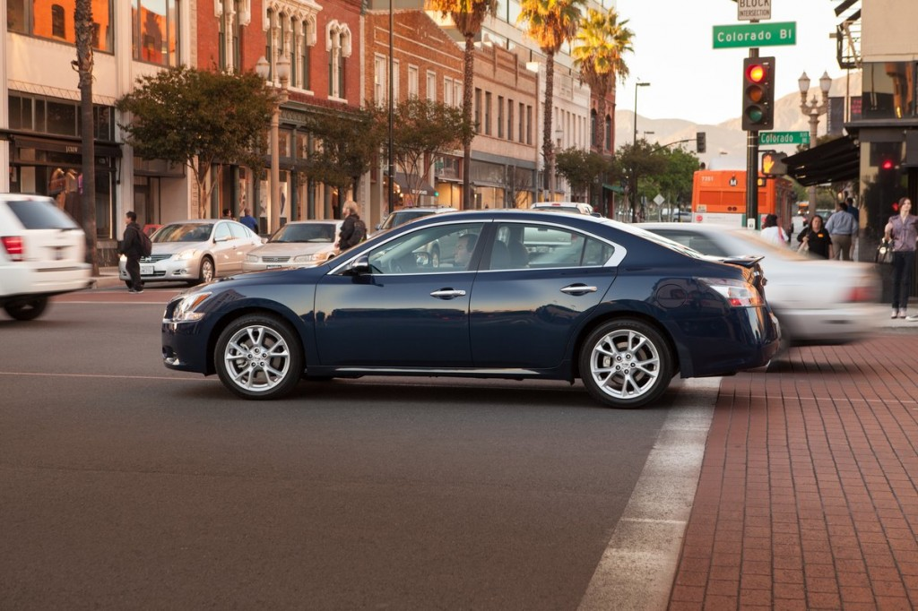 2014 nissan maxima pictures photos gallery green car reports. Black Bedroom Furniture Sets. Home Design Ideas