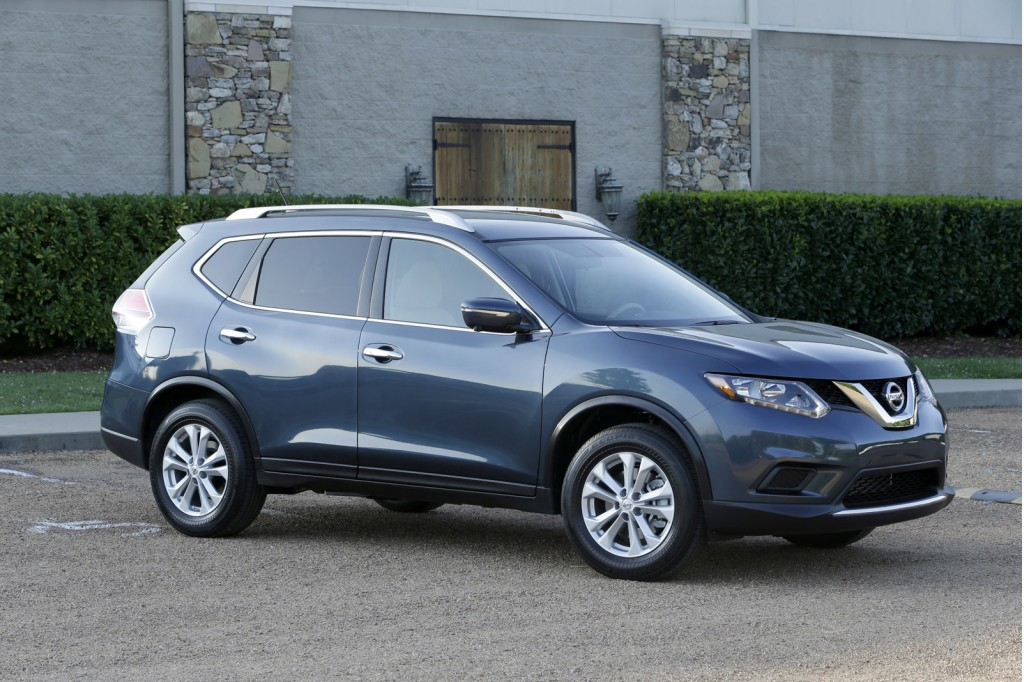 2014 nissan rogue revealed priced from 23 350 video. Black Bedroom Furniture Sets. Home Design Ideas