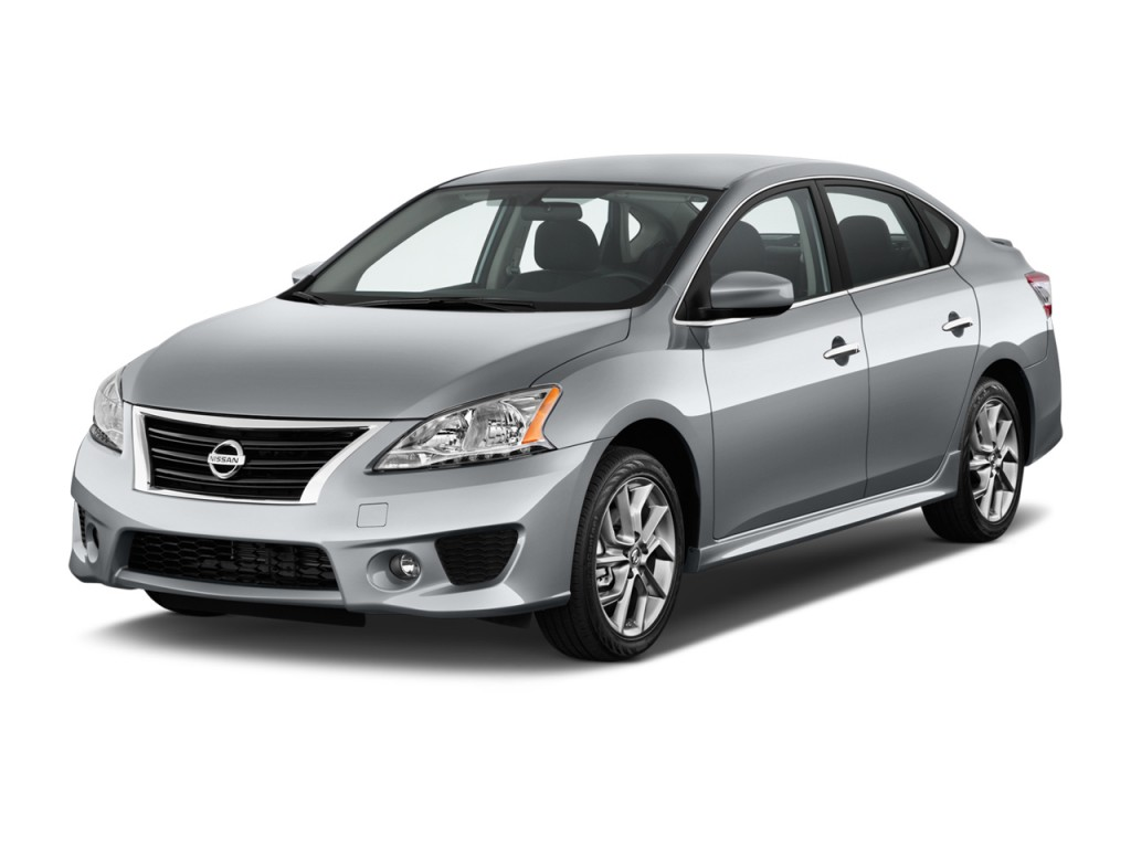 2014 Nissan Sentra 4-door Sedan I4 CVT SR Angular Front Exterior View