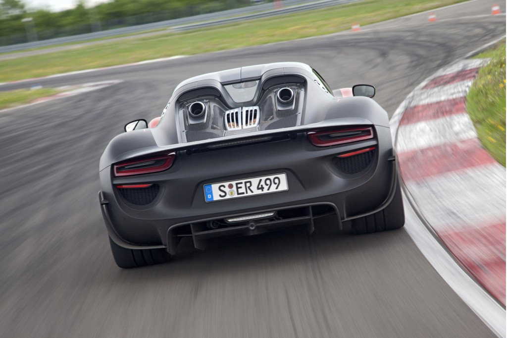 porsche 918 spyder hasn 39 t sold out yet. Black Bedroom Furniture Sets. Home Design Ideas