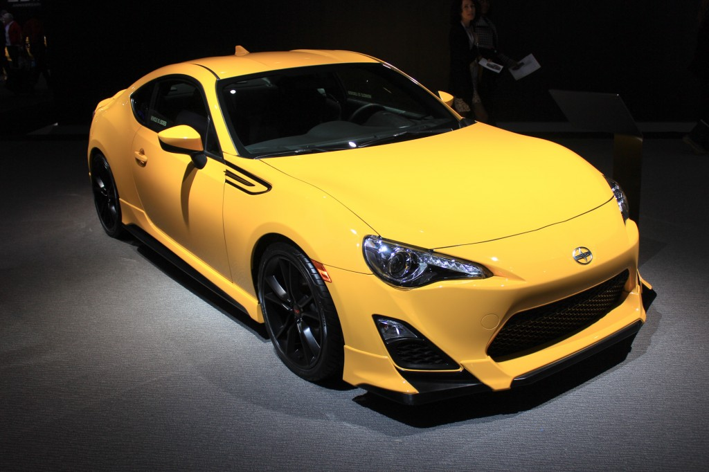 2016 scion fr s the fascinating modern cool coupe 2015carspecs sexy girl and car photos. Black Bedroom Furniture Sets. Home Design Ideas