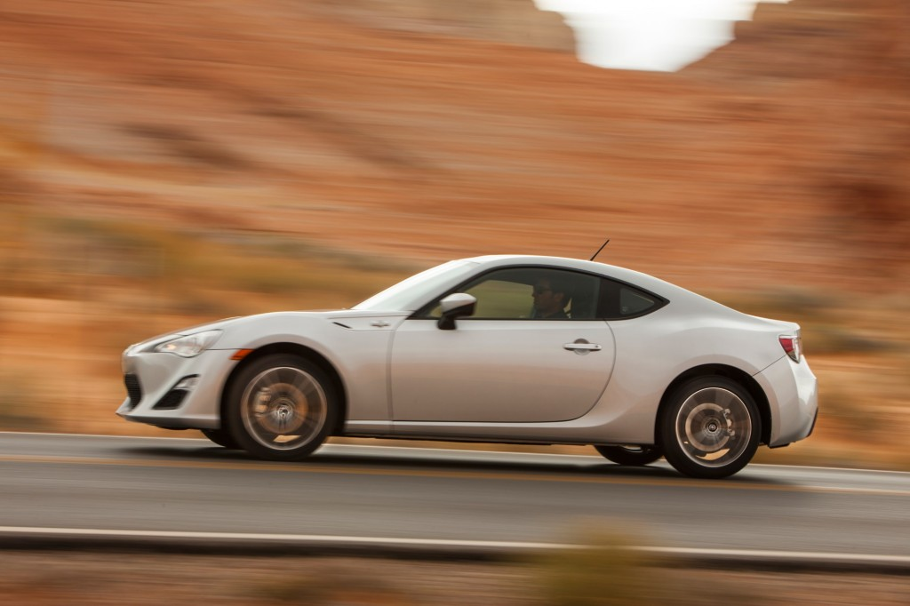 2014 scion fr s pictures photos gallery green car reports. Black Bedroom Furniture Sets. Home Design Ideas