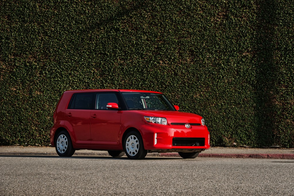 2014 scion xb pictures photos gallery the car connection. Black Bedroom Furniture Sets. Home Design Ideas
