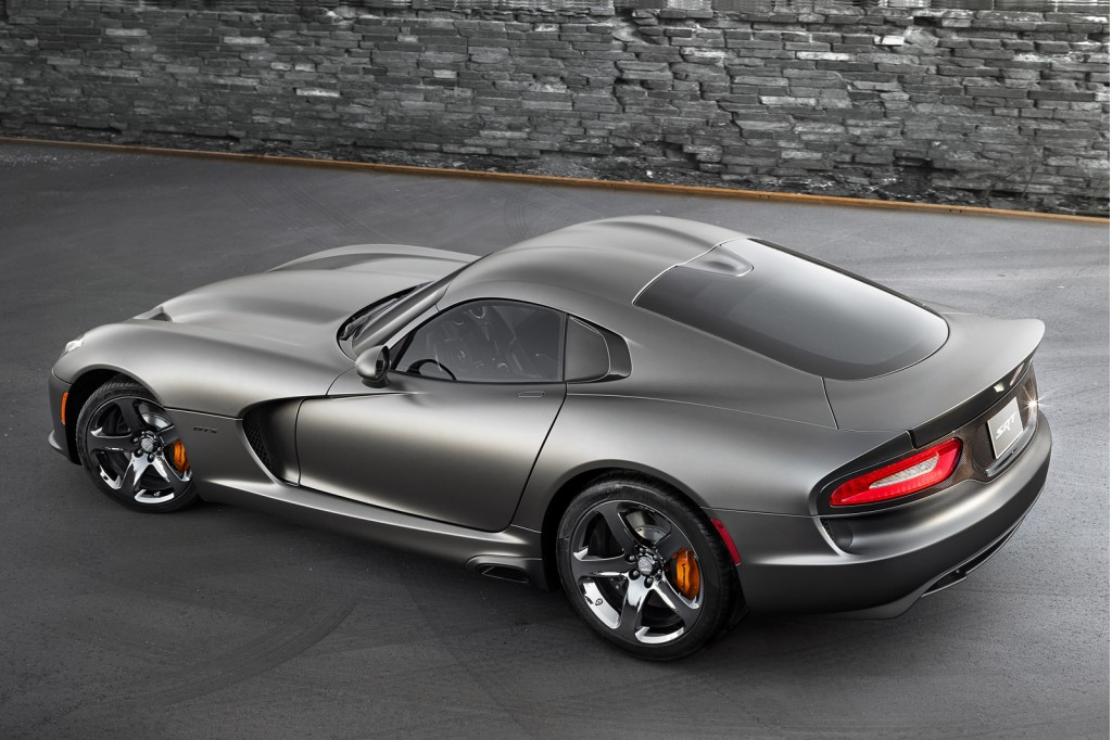 2014 srt viper gets anodized carbon special edition package. Black Bedroom Furniture Sets. Home Design Ideas