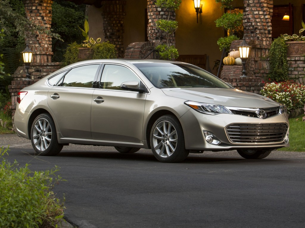 2014 toyota avalon pictures photos gallery the car connection. Black Bedroom Furniture Sets. Home Design Ideas