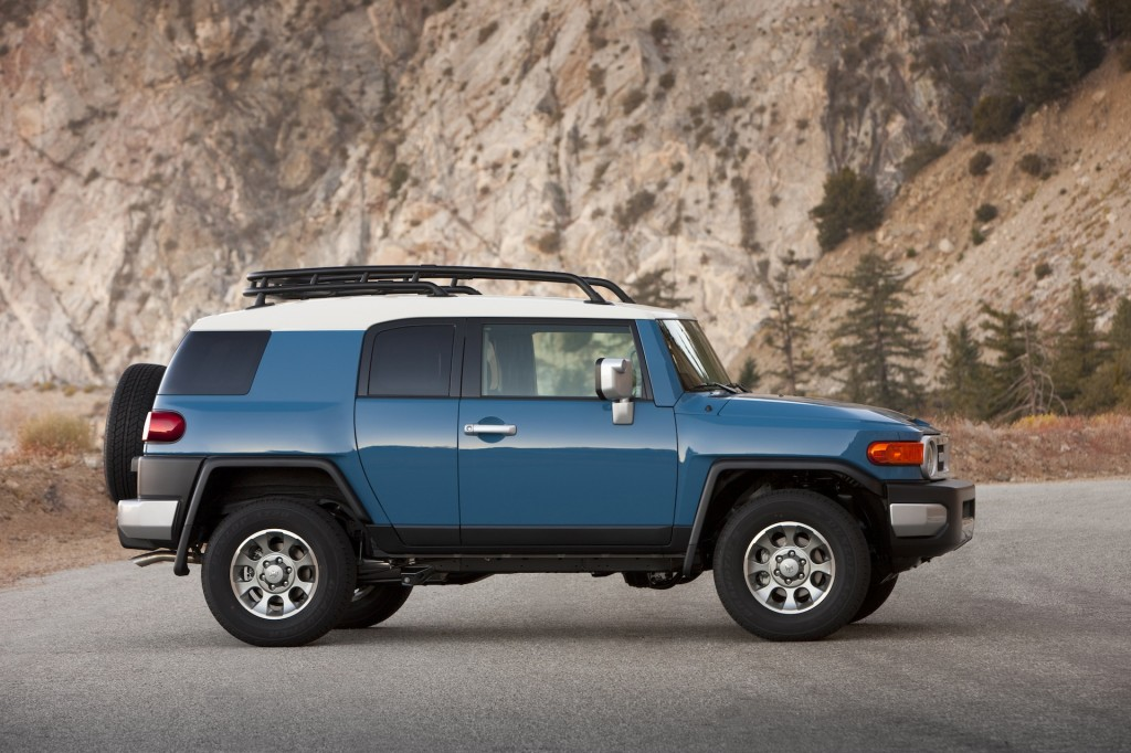 2014 toyota fj cruiser pictures photos gallery green car reports. Black Bedroom Furniture Sets. Home Design Ideas