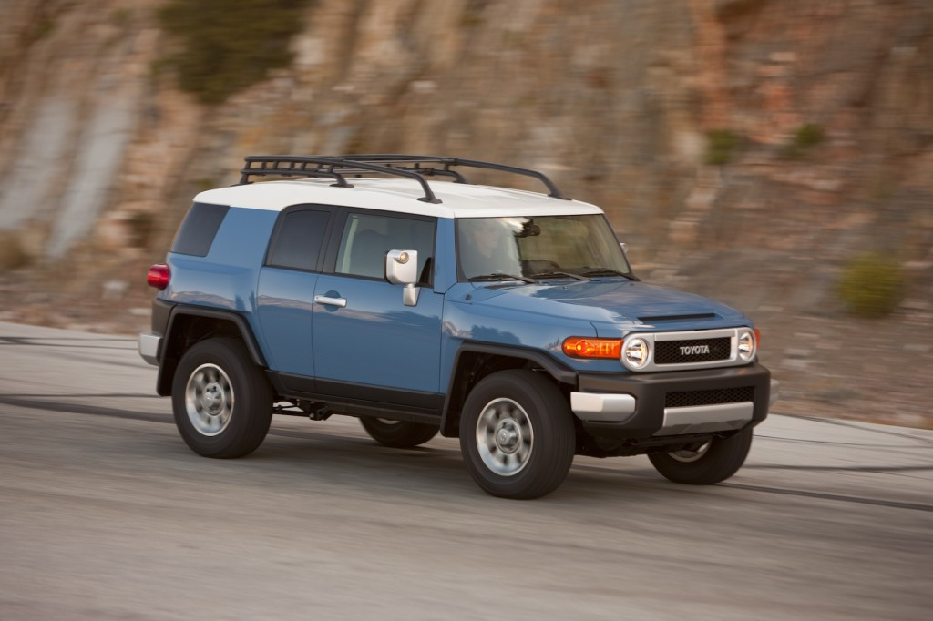 2014 Toyota FJ Cruiser - Photo Gallery