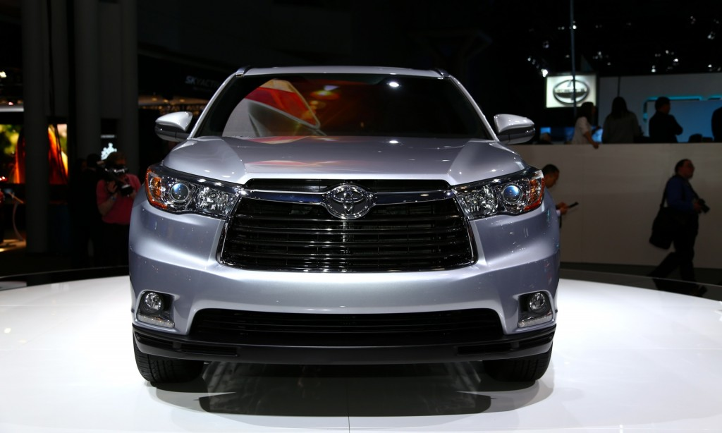 spy 2014 highlander photos 2014 highlander spy shots http otomild