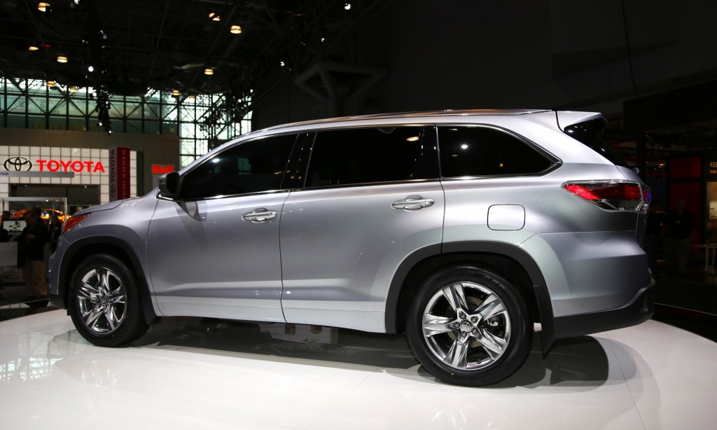 2013 Toyota Highlander For Sale >> 2014 Toyota Highlander Video Preview