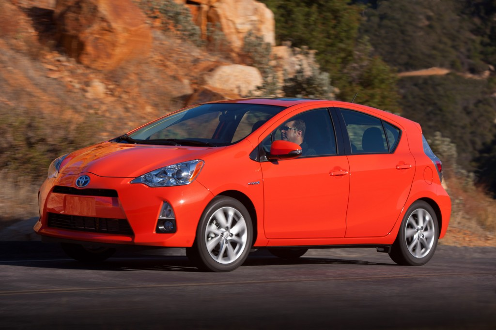 2014 toyota prius c pictures photos gallery the car connection. Black Bedroom Furniture Sets. Home Design Ideas
