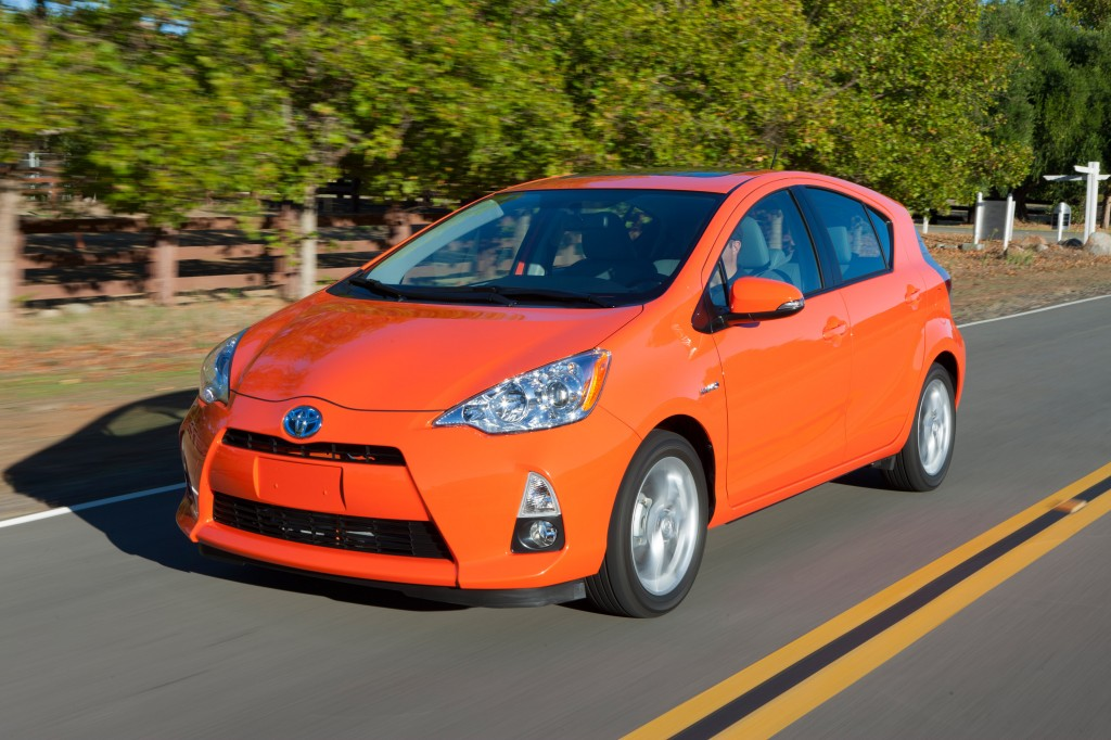 2014 toyota prius c pictures photos gallery the car. Black Bedroom Furniture Sets. Home Design Ideas