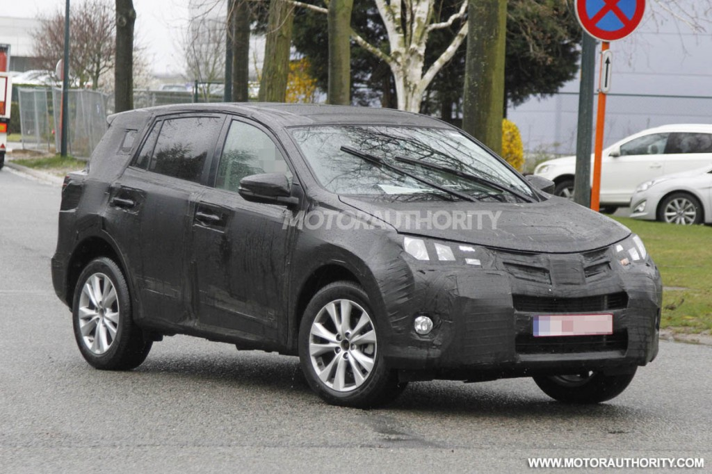 image appeared in the following articles: 2014 Toyota RAV4 Spy Shots