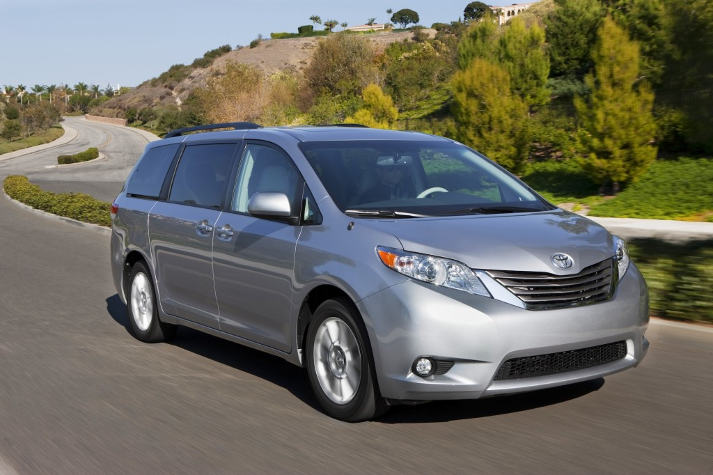 2014 toyota sienna pictures photos gallery the car connection. Black Bedroom Furniture Sets. Home Design Ideas