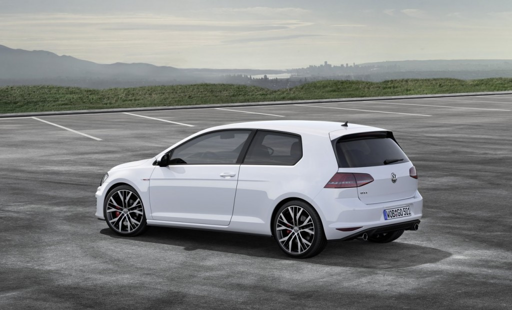 2014 volkswagen golf gti mark vii geneva motor show preview. Black Bedroom Furniture Sets. Home Design Ideas