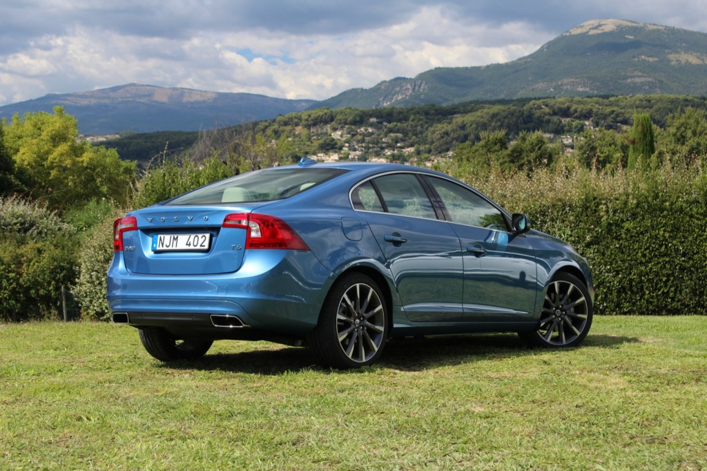 2015 volvo v60 wagon to debut engine tech headed for s60 xc60 page 2. Black Bedroom Furniture Sets. Home Design Ideas