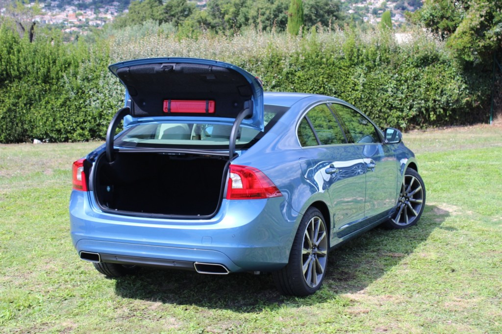 2015 volvo s60 preview drive page 2. Black Bedroom Furniture Sets. Home Design Ideas