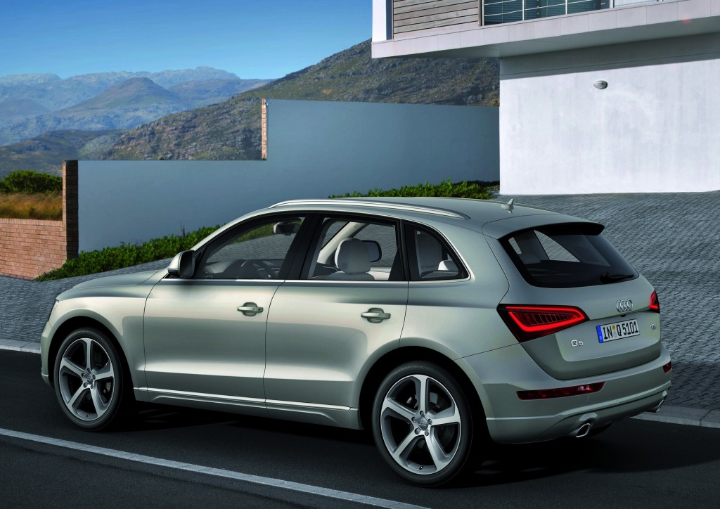 2015 audi q5 pictures photos gallery the car connection. Black Bedroom Furniture Sets. Home Design Ideas