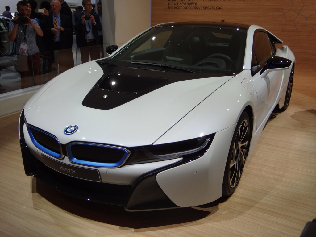 2015 bmw i8 live photo gallery 2013 frankfurt auto show. Black Bedroom Furniture Sets. Home Design Ideas