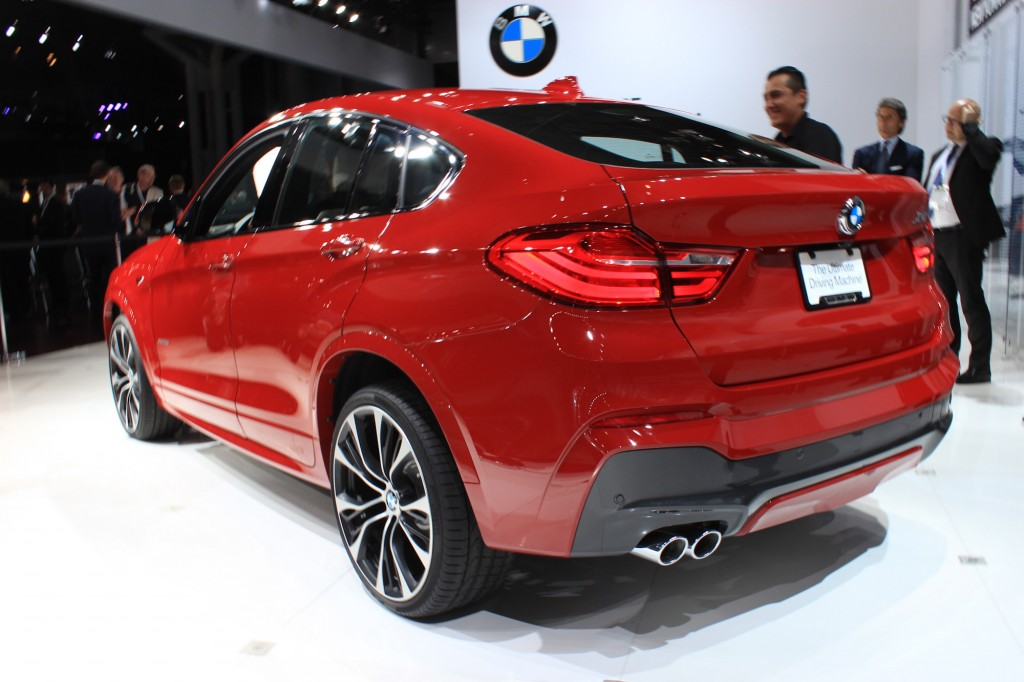 2015 bmw x4 video new york auto show. Black Bedroom Furniture Sets. Home Design Ideas