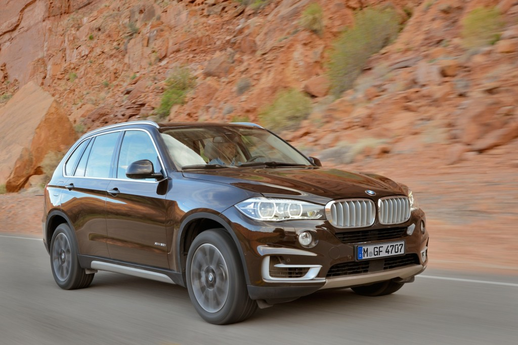 2015 bmw x5 earns five star sweep in federal crash tests. Black Bedroom Furniture Sets. Home Design Ideas