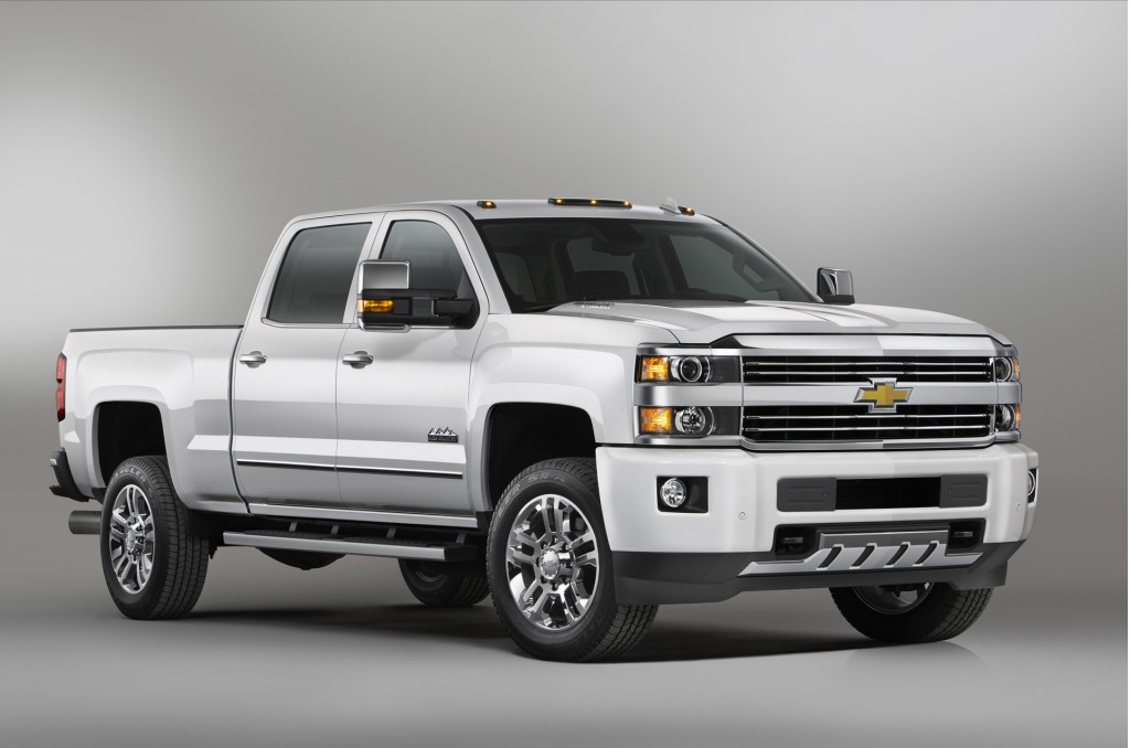 2015 chevrolet silverado hd saddles up for high country. Black Bedroom Furniture Sets. Home Design Ideas