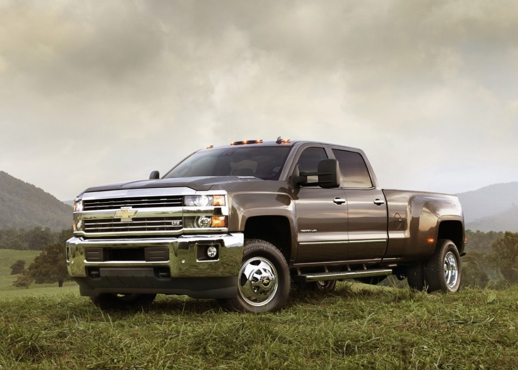 2015 gmc sierra hd 2015 chevy silverado hd first details image by www