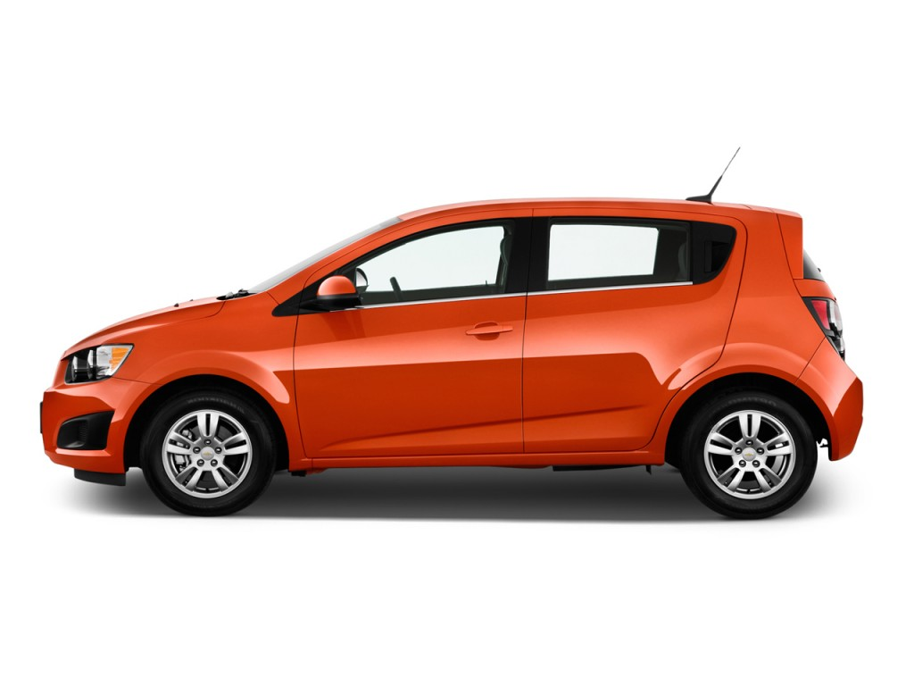 2015 chevrolet sonic chevy pictures photos gallery the car connection. Black Bedroom Furniture Sets. Home Design Ideas