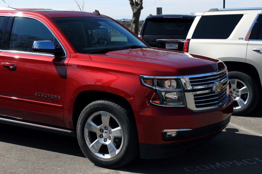 2015 Chevrolet Suburban - Photo Gallery