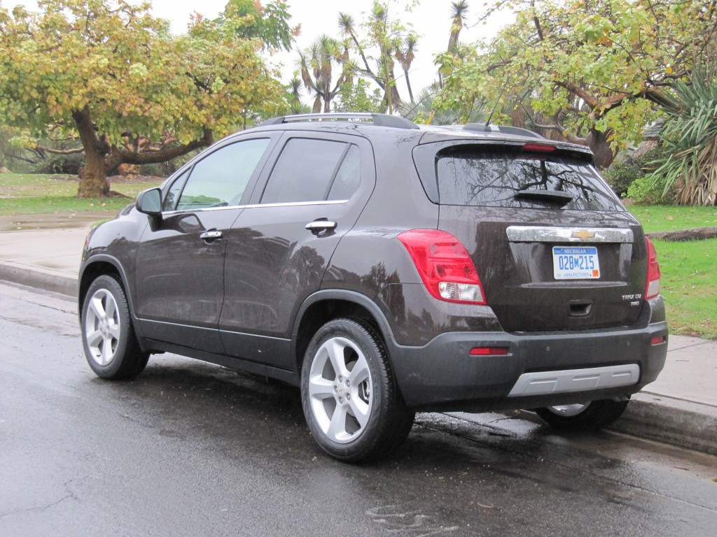 2015 chevrolet trax first drive. Black Bedroom Furniture Sets. Home Design Ideas