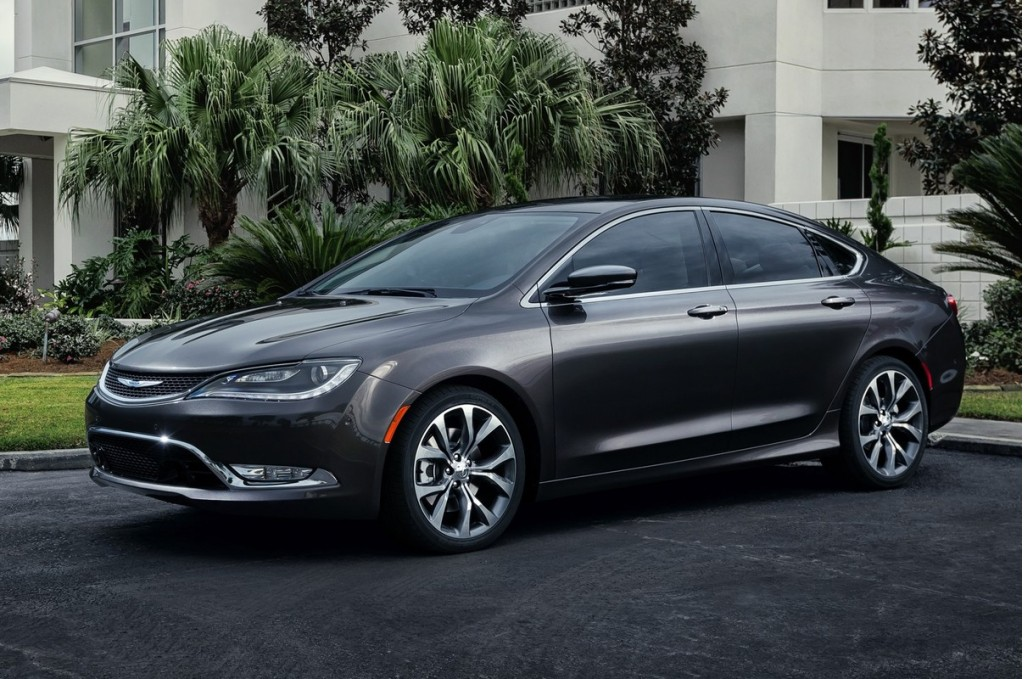 2015 chrysler 200 pictures photos gallery the car connection. Black Bedroom Furniture Sets. Home Design Ideas