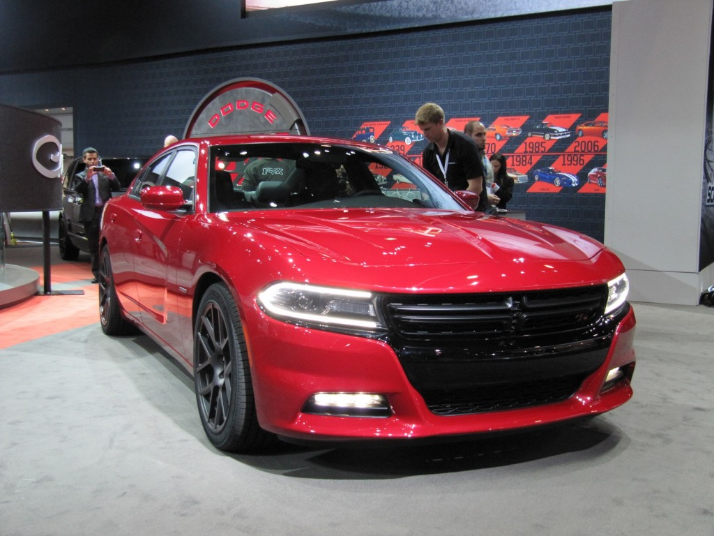 2015 dodge charger first look live photos. Black Bedroom Furniture Sets. Home Design Ideas