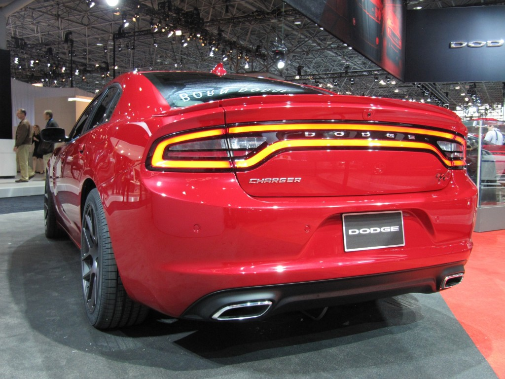 2015 dodge charger debuts at 2014 new york auto show live photos. Black Bedroom Furniture Sets. Home Design Ideas