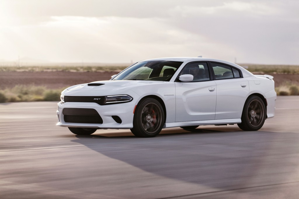 2015 dodge charger srt hellcat the fastest sedan in the world. Black Bedroom Furniture Sets. Home Design Ideas