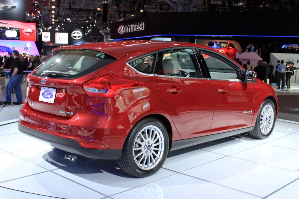 2015 ford focus electric price cut to 29 995 a 6k drop report. Black Bedroom Furniture Sets. Home Design Ideas