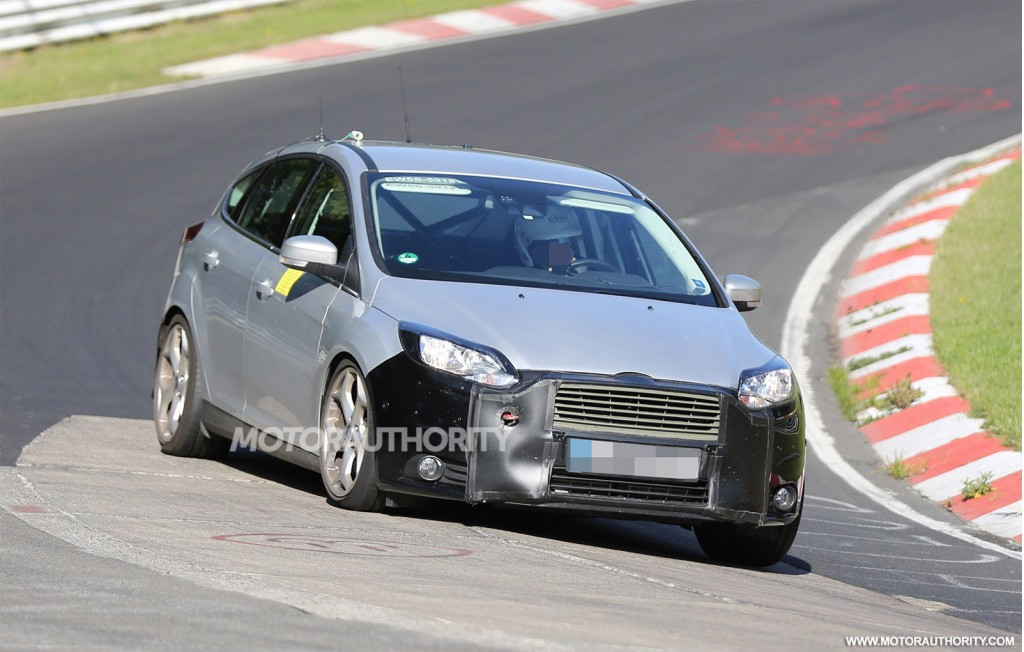 2015 ford focus rs spy shots motor autos for Motor trend on demand problems
