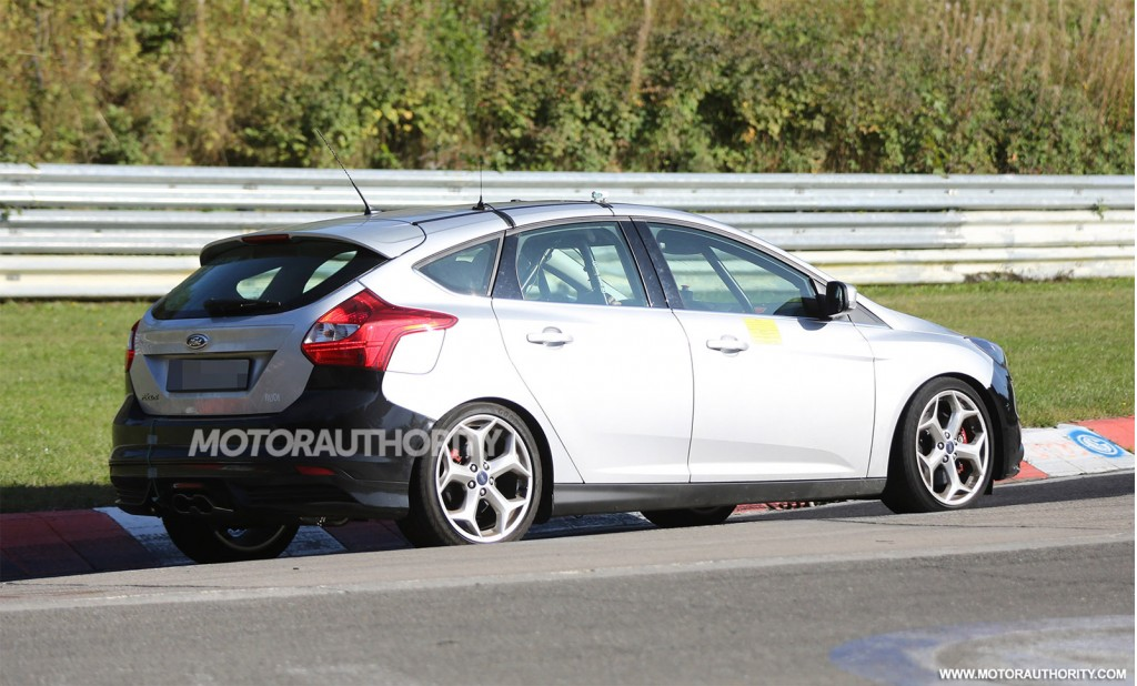 2015 ford focus st spy shots. Black Bedroom Furniture Sets. Home Design Ideas