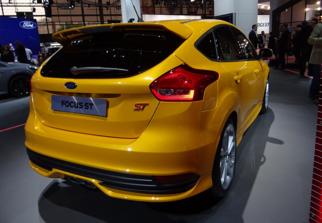 2015 ford focus st and new focus st diesel live photos. Black Bedroom Furniture Sets. Home Design Ideas