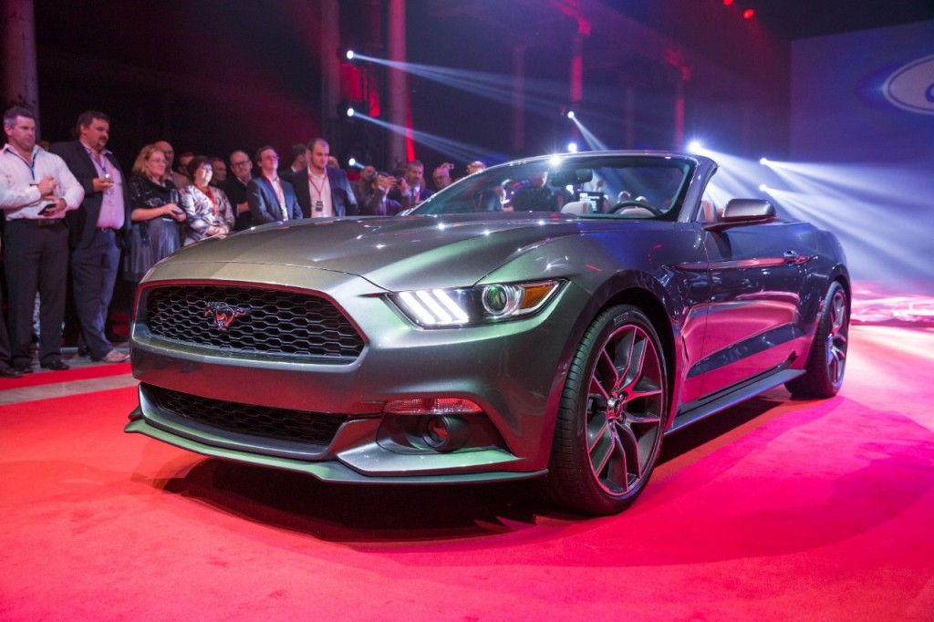2015 Ford Mustang Convertible Debuts Alongside Fastback Coupe: New ...