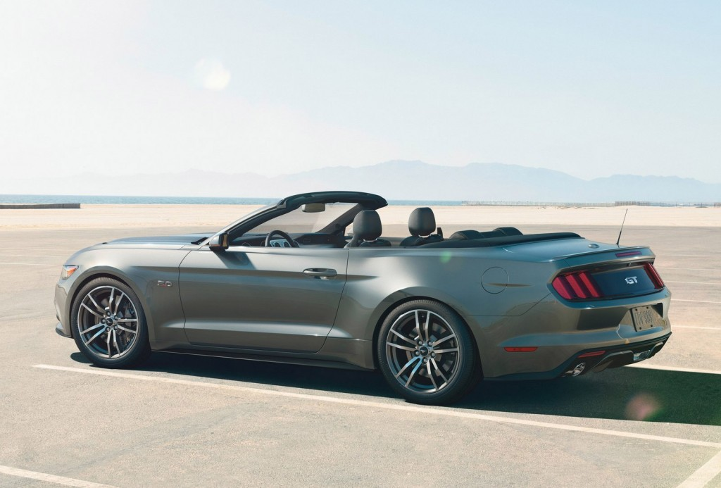 2015 ford mustang convertible starts shipping to dealers. Black Bedroom Furniture Sets. Home Design Ideas