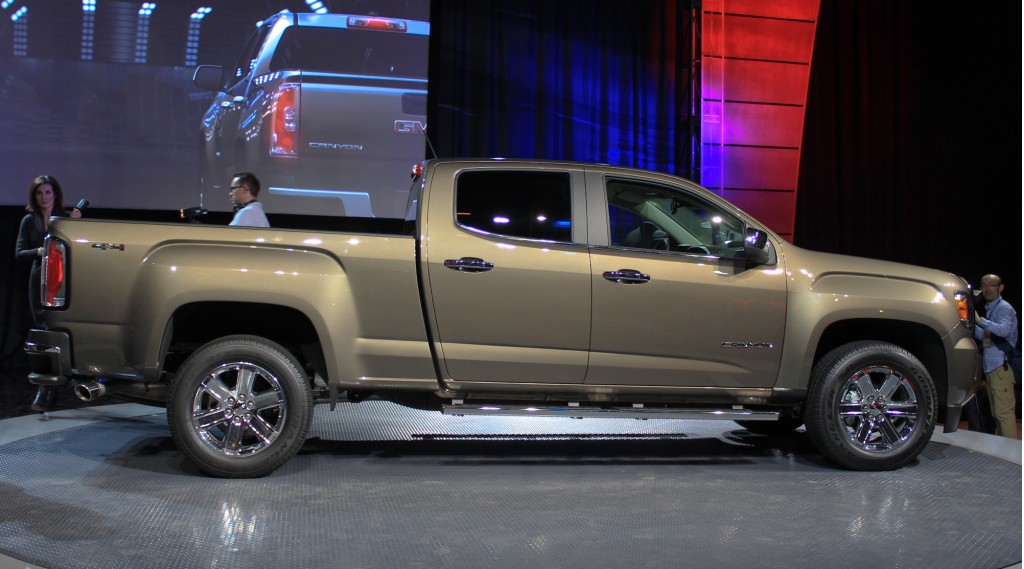 2015 GMC Canyon live photos, 2014 Detroit Auto Show preview