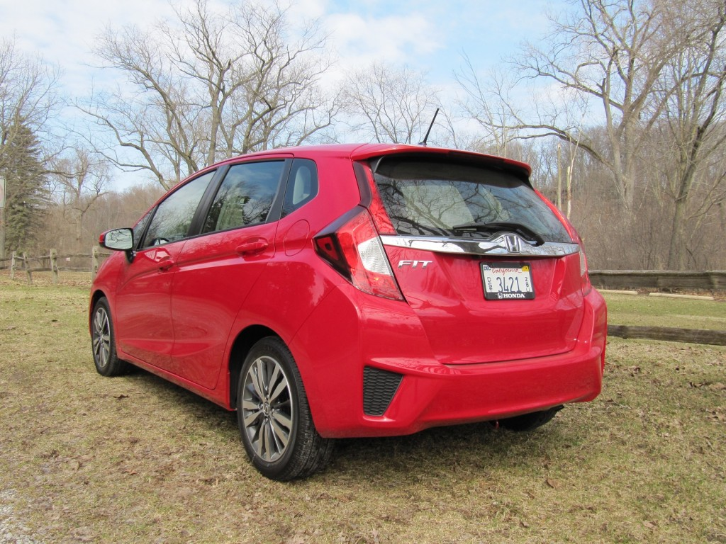 2015 honda fit quick gas mileage drive of all new hatchback. Black Bedroom Furniture Sets. Home Design Ideas